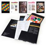 Mise en situation montrant l'intérieur du coffret Traces à Suivre Répertoire d'Image Maternelle avec le CD et quelques posters.